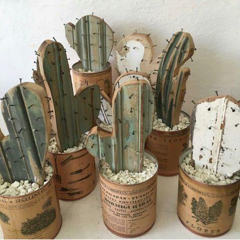 Brädlister och spik, lite grön färg och kaktusarna är klara :D