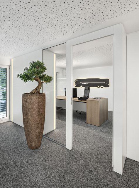 Büroaccessoires, Vase, Akustikdecke, Glas, Schreibtisch, Holz - holz stahl interieur junggesellenwohnung