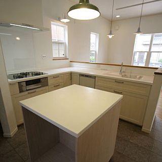キッチン 引っ越し前 Toto 作業台 タイルの床 などのインテリア実例