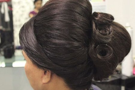 Simple Easy Bun Hairstyle For Beginners Party Hairstyle For Medium Long Hair Kgs Hairstyles Youtu Easy Bun Hairstyles Long Hair Styles Bun Hairstyles