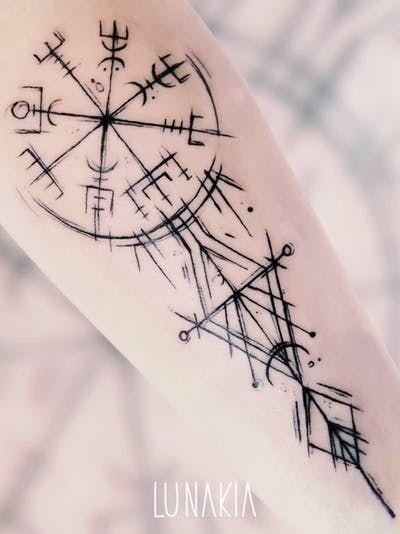 Vegvisir tattoo by Lunakia Tattoo Viking Rune Tattoo, Norse Tattoo, Inca Tattoo, Druid Tattoo, Thai Tattoo, Maori Tattoos, Viking Compass Tattoo, Viking Tattoo Sleeve, Chicano Tattoos