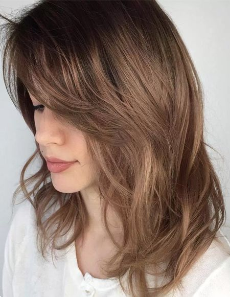 Soft And Sultry Hairstyle Layers With Blended Ends Mode Ideas Long Hair Trends Mid Length Hair Medium Hair Styles