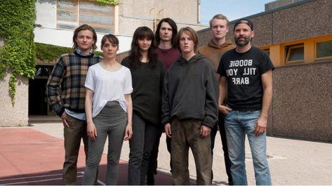 Resultado De Imagenes De Google Para Https Meedia De Wp Content Uploads 2019 06 Dark Cast Png Netflix Netflix International Louis Hofmann