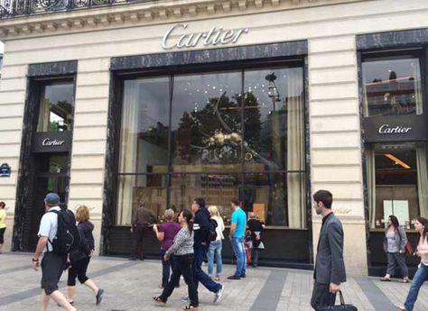 e3313b25b82f7 La tienda de Cartier en los Campos Elíseos.