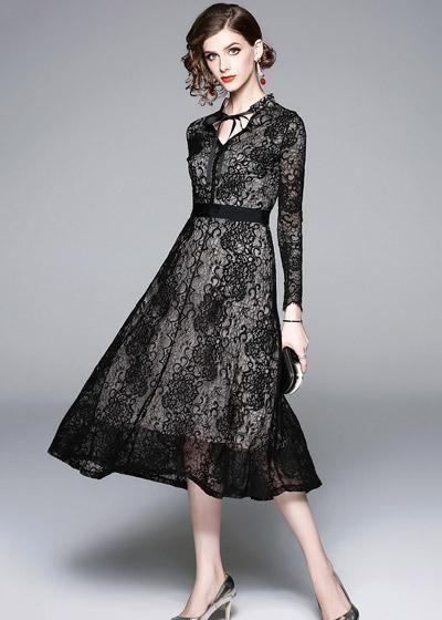 77dfb179b9ec Compre Vestido Evase Midi Renda Decote Laço Preto Moda Evangélica |  UFashionShop