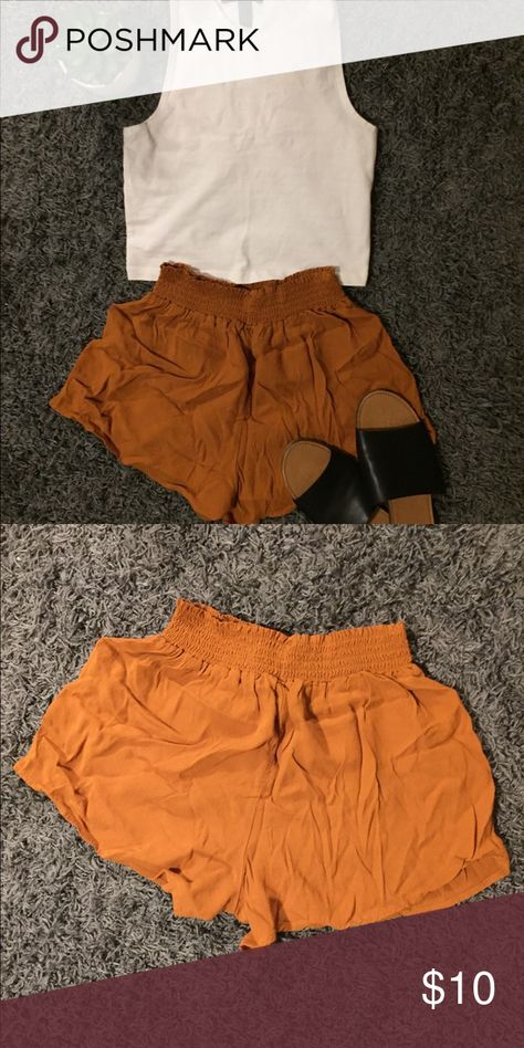 Forever 21 Flowy Shorts Deep gold color with super stretchy elastic around the waist. Great for late summer! Never worn Forever 21 Shorts