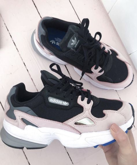 purchase cheap 8c807 a8b69 Nike Air Huarache OG Triple Black White Women Girls 634835 006 Foot Locker  in 2019   nike   Nike shoes, Nike huarache, Huaraches