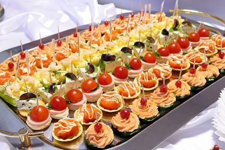 Finger Food Ideas How To Calculate Wedding Reception Costs Modern For Pinterest Foods And