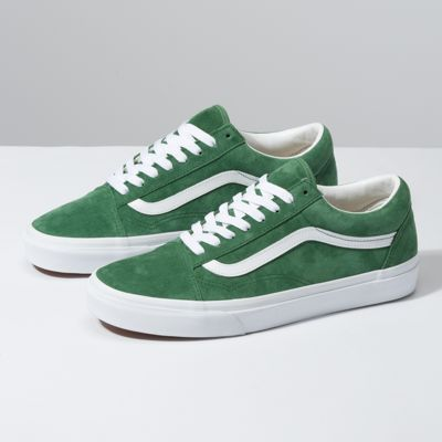 Pig Suede Old Skool | Shop At Vans | Off white shoes, Classic ...