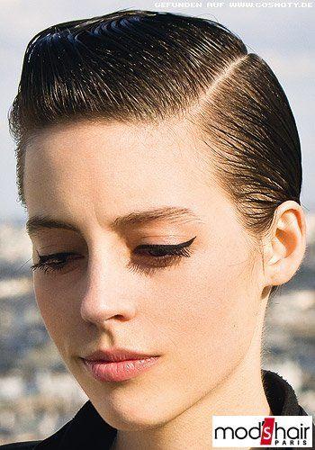 Frisuren Bilder Streng Gescheitelter Pilzkopf Frisuren Haare Haar Bilder Pilzkopf Haar Styling