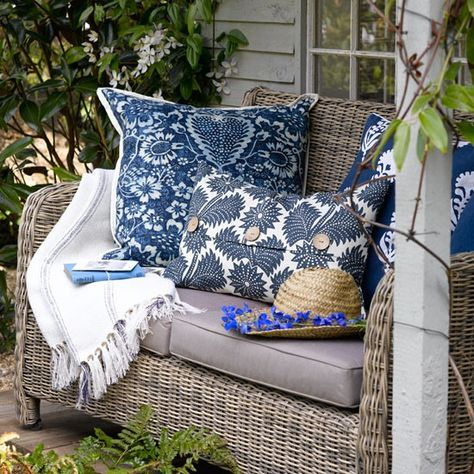 Image Salon De Jardin De Mylene Lallier Du Tableau Bleu Blue