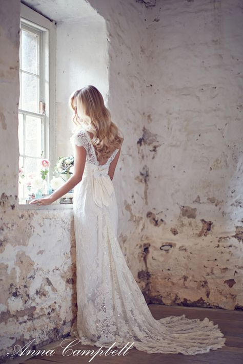 Anna Campbell wedding dress featured in her latest collection 'Forever Entwined'
