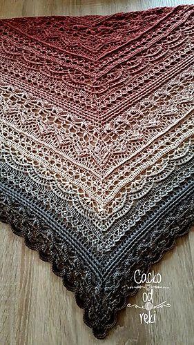 Ravelry dafni smile shawl pattern by julita janicka amorous shawl crochet free pattern Shawl Crochet, Beau Crochet, One Skein Crochet, Crochet Shawls And Wraps, Crochet Blanket Patterns, Filet Crochet, Crochet Scarves, Crochet Clothes, Crochet Lace