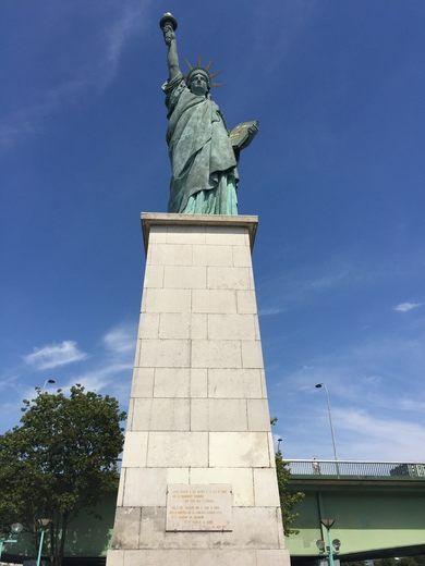 Statue Of Liberty Pont De Grenelle