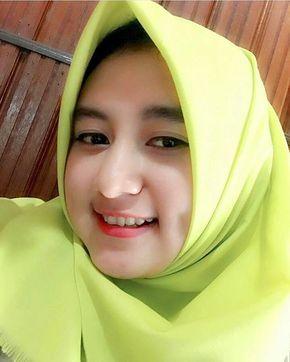 Ok Cantik Mau Kagak Sama Cowok Jelek Hijab Chic Kecantikan Gadis Cantik Asia