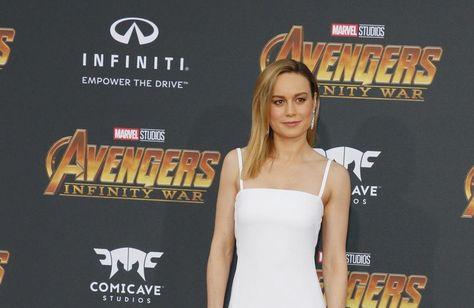 """Brie Larson empfand den Moment, als Emma Stone 2017 ihren Oscar entgegennahm, als """"überwältigend"""". <br /> Die 29-jährige Schauspielerin """"konnte es nachfühlen"""", als ihre Hollywood-Kollegin ihre Auszeichnung in der Kategorie 'Beste Hauptdarstellerin' für ihre Darbietung in dem Musical-Film 'La La Land' erhielt. Larson gewann den begehrten Goldjungen ein Jahr zuvor in derselben Kategorie für ihr Rolle in 'Raum', doch erst durch Emma Stone konnte sie ihren Erfolg erstmals wirklich erleben und nochmals Revue passieren lassen.<br /> <br /> Die 'Captain Marvel'-Darstellerin sagte gegenüber dem 'Hollywood Reporter': """"Ich hasste es, in diesem Moment allein zu sein, ich konnte es mehr durch [Emma] fühlen, als ich es jemals für mich fühlen konnte. Es ist einfach zu überwältigend. Es fühlte sich so an, als nehme ein Familienmitglied den Preis entgegen, ich konnte es einfach feiern und die Liebe und Akzeptanz davon auf eine Weise spüren, die ich vorher nicht kannte.""""<br /> <br /> Die Oscarpreisträgerin sprach anschließend über ihre Arbeit mit der Time's Up-Initiative, die vor dem Hintergrund des Hollywood-Sex-Skandals rund um Harvey Weinstein entstand. Sie glaubt, dass sie zwar immer noch viele Hindernisse überwinden müsse, aber ihre Arbeit als effektiv erachtet wird. """"Time's Up kostet immer noch jeden Tag viel Zeit. Wir haben jetzt viele Möglichkeiten, um uns und andere zur Rechenschaft zu ziehen. Wir haben auch mit vielen Institutionen zu tun - Agenturen, Gewerkschaften, Studios. Aber ich bekomme ständig E-Mails, die mich dazu bringen, zu sagen: 'Das funktioniert'"""", erzählte die schöne Schauspielerin stolz."""