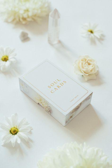 Tarot deck for the modern soul ♡ White Dahlia Deck