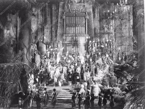 photo set and cast cool shot original classic fantasy film King Kong 3790-13