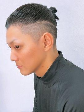 マンバンヘアとは 日本人が真似する際の伸ばし方 結び方 頼み方まで解説 Slope スロープ メンズ ヘアスタイル 男性の髪 パーマ 種類