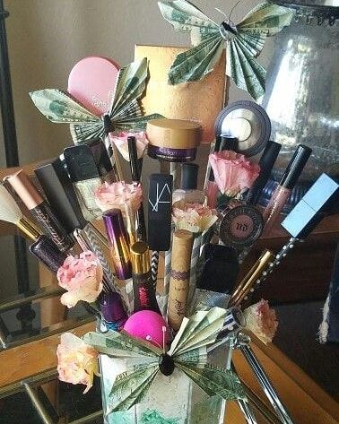 Homeaccessories Homeaccents Makeup Gift Basket For Any Occasion For More Information Makeup Gifts Basket Christmas Gifts For Girlfriend Makeup Bouquet Gift