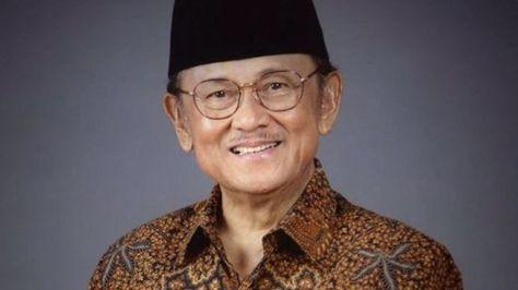 #BJHabibie Berpulang, #Netizen Gaungkan #RIPBapakTeknologiIndonesia: Telset.id, Jakarta – Kepergian putra terbaik bangsa, Bacharuddin Jusuf…
