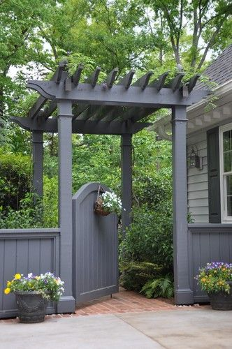 Gate Inspiration for My Side Yard - Home Decor A mini-pergola and arched gate make for a grand entrance to this home's backyard.A mini-pergola and arched gate make for a grand entrance to this home's backyard. Pergola Garden, Backyard Landscaping, Pergola Kits, Pergola Ideas, Landscaping Ideas, Backyard Gates, Pergola Roof, Wisteria Pergola, Arbor Ideas