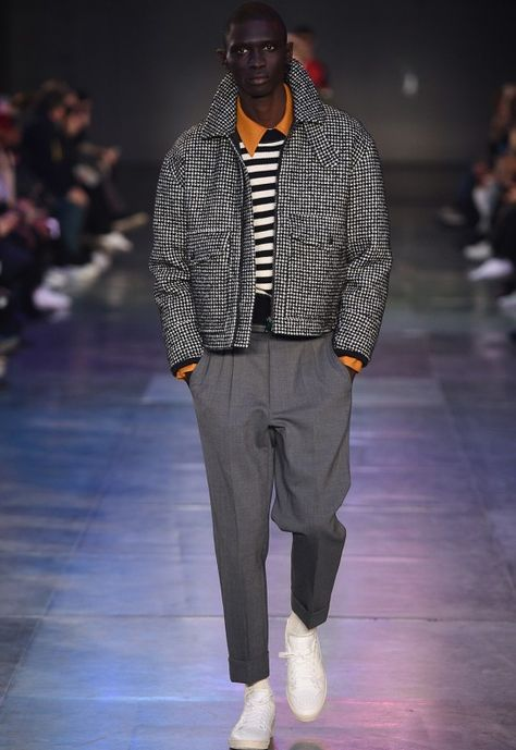 AMI FW17 had menswear pieces, but revitalized them thanks to easygoing cuts, bright colorways and dope styling.