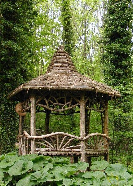 Garden Gazebo Ideas To Embellish Your Lovely