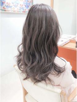 Detect ピンクアッシュベージュカラー ブリーチwカラーロング ヘアスタイリング ミルクティーアッシュ 髪型