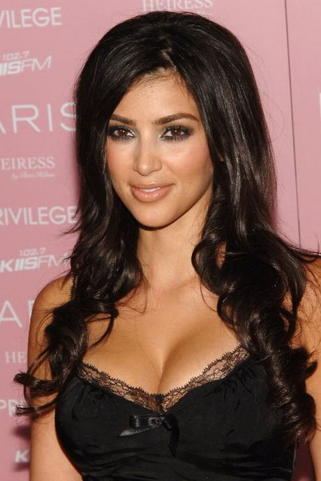 Kim Kardashian Frisur Kim Kardashian Haare Frisuren Kardashian Frisuren