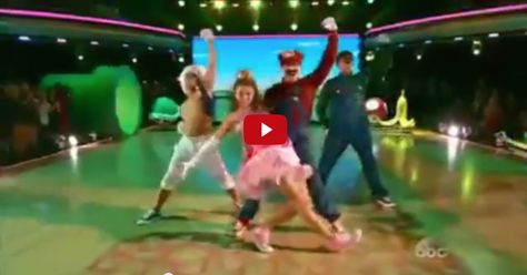 Watch Sadie and Mark's Super Mario dance only at http://countrymusicvideodirectory.com/take-a-look-at-sadie-robertson-mark-during-the-final-week-freestyle/