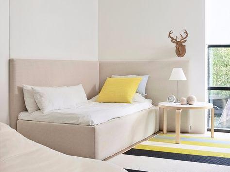 Testiera Letto Singolo Ad Angolo.Letto Imbottito Singolo In Tessuto Corner Bed By Woodnotes Con