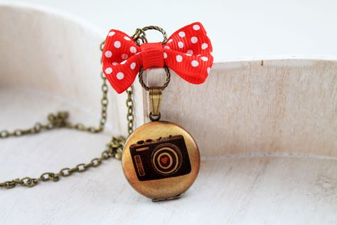 Collier pendentif appareil photo mon amour kitch pop : Collier par dinafragola