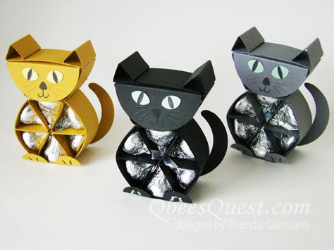 I'm not sure if my Hershey's cats have nine lives, BUT they definitely hold NINE Hershey's kisses. Did you know that the Hershey's . Mom Birthday Crafts, 90th Birthday Gifts, Birthday Gift Baskets, Easter Crafts, Holiday Crafts, Candy Bar Posters, Envelopes, Origami And Quilling, Chocolates