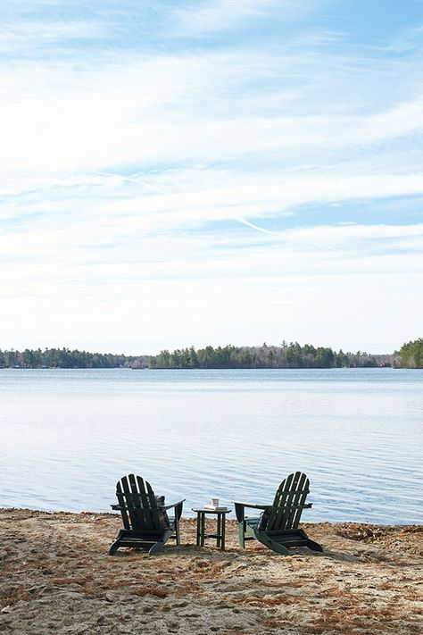 Feel at home in the fresh air. American-made outdoor furniture, inspired by decades of summer on the Maine coast. L.L.Bean furniture.