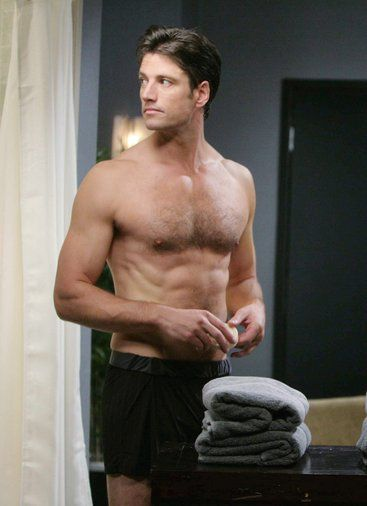 EJ scrambles to conceal the truth from Sami. #DAYS