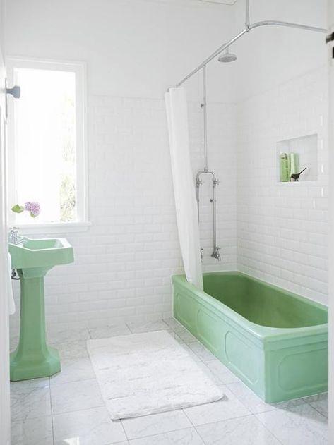 5 Favorites Minty Green Bathrooms Retro Edition Remodelista Green Bathroom Retro Bathrooms Mint Green Bathrooms