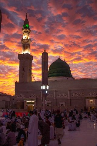 Pin By Aasiya Fathima On Mesjid Al Nabawi Masjid Mosque Mosque Architecture