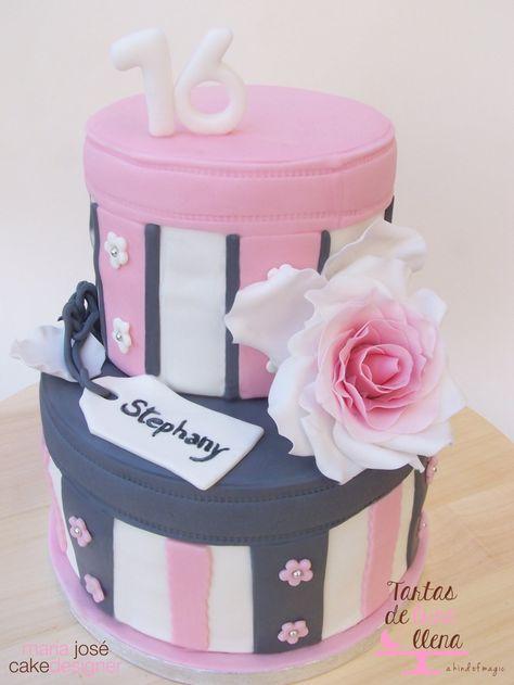 Tarta Dulces 16 - Sweet Sixteen cake www.tartasdelunallena.blogspot.com maria josé cake designer