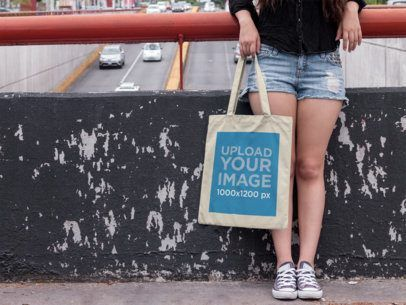 Download Placeit Street Style Woman Holding A Tote Bag Mockup Bag Mockup Street Style Women Tote