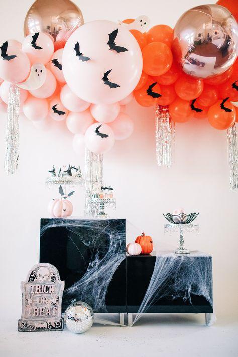 A Spooktacular Pink Halloween Party Halloween Balloons, Pink Halloween, Halloween Inspo, Halloween Party Decor, Holidays Halloween, Spooky Halloween, Halloween Themes, Dollar Store Halloween, Witch Party