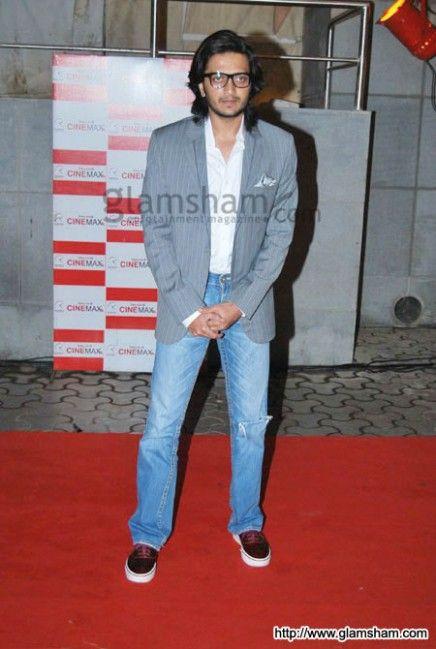 Ritesh Deshmukh Long Hairstyle In 2020 Long Hair Styles Hairstyle Latest Haircuts