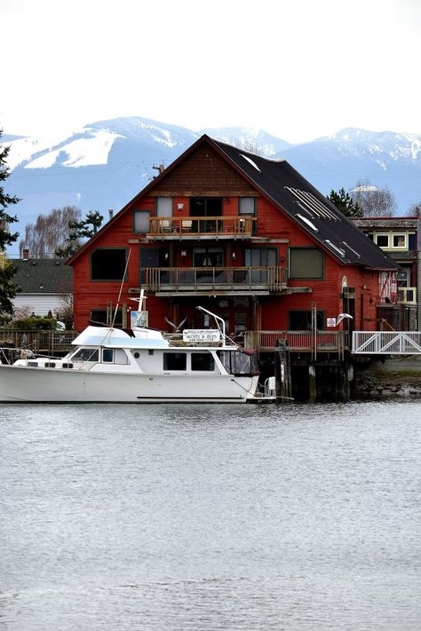 Moss Landing Marina | Located in Washington, NC 27889