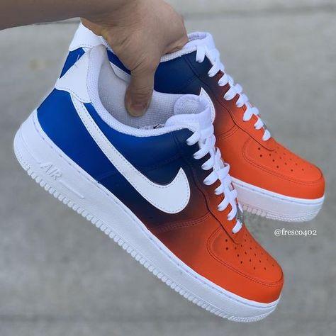 Nike Shoes Blue, Nike Shoes Air Force, Cool Nike Shoes, Nike Jordan Shoes, Nike Shoes Men, Vans Men, Mens Fashion Shoes, Sneakers Fashion, Nike Fashion