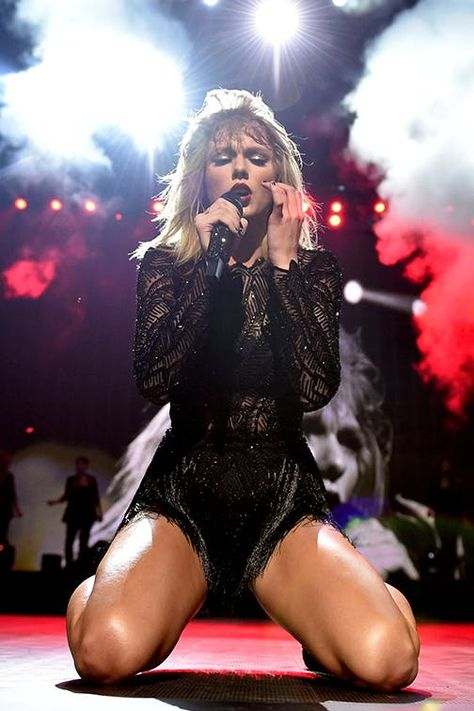 Taylor Swift's Net Worth Is Insane Thanks to Her Record-Breaking 'Reputation' Tour