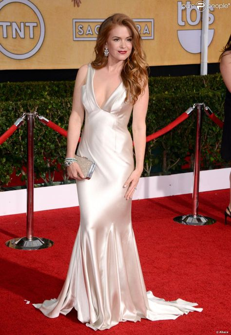 Isla Fisher en Oscar de la Renta aux Screen Actors Guild Awards, Shrine Auditorium, Los Angeles, le 18 janvier 2014.