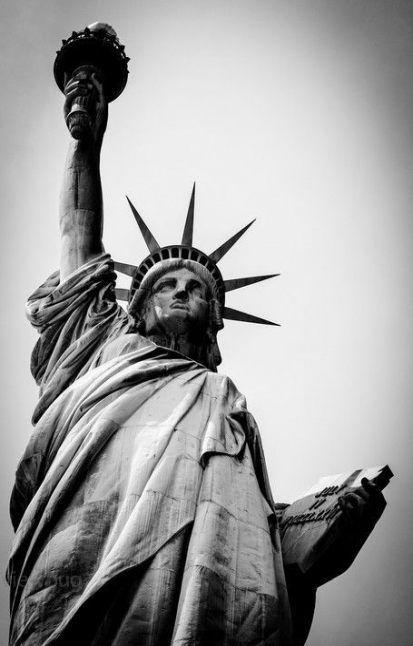 Scegli un'altro poster tra una vasta gamma di prodotti correlati : New Travel Photography Black And White New York 62 Ideas Sfondo Bianco E Nero Foto In Bianco E Nero Bianco E Nero