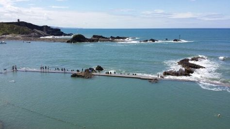Bude outdoor pool and harbour entrance