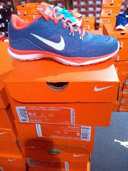 Nike Sneakers / Authentic Nikes