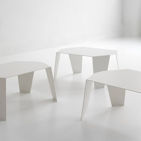 Judd Bedside Table By Punt Mobles Buy It In Domésticoshopcom - Colorful judd side table with different variations